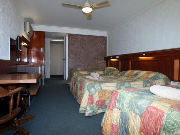 Golden Leaf Motel photo 5