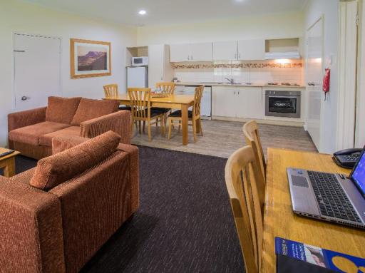 Best Western Karratha Central Apartments hotel accepts paypal in Karratha
