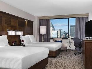Hilton Times Square Hotel guestroom junior suite