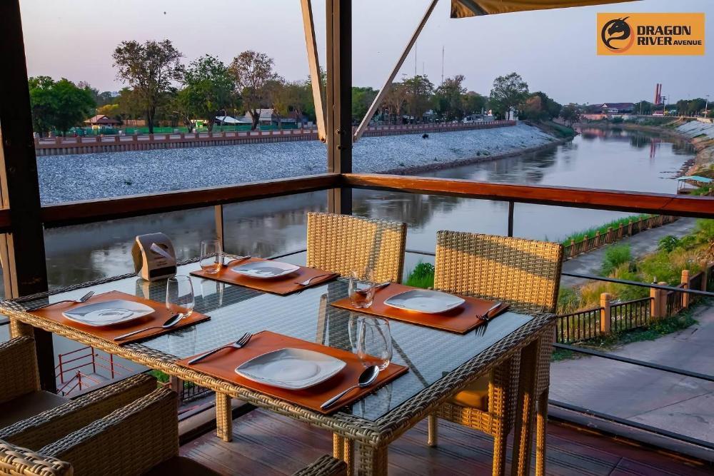 Dragon River Avenue Hotel