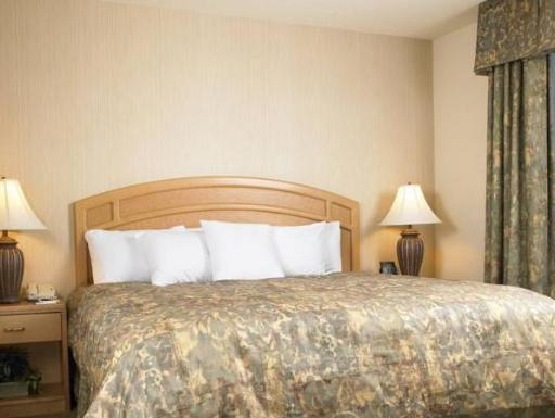 ➦  Hilton Worldwide    (Connecticut) customer rating