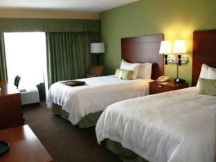 Best PayPal Hotel in ➦ Gurnee (IL): Country Inn and Suites Gurnee
