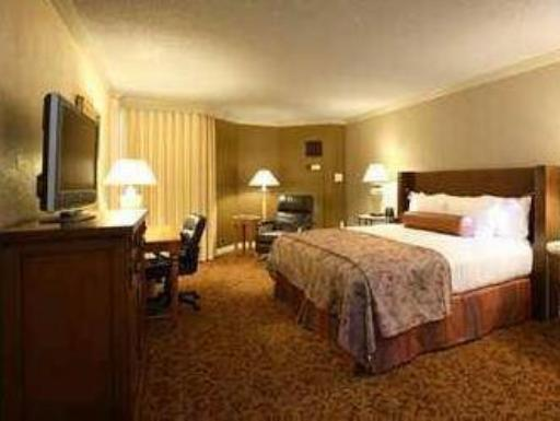 Hilton DFW Lakes Executive Conference Center Hotel hotel accepts paypal in Grapevine (TX)