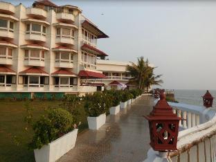 Mascot Beach Resort