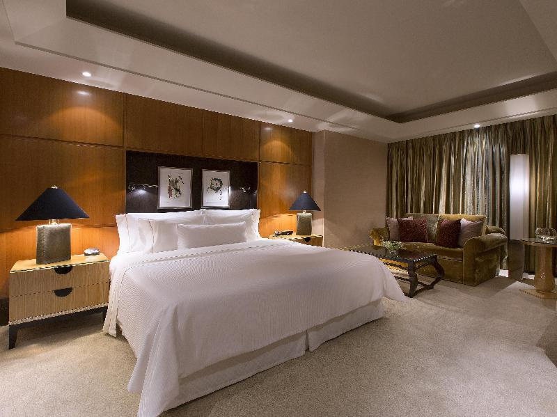 Crown Suite Room