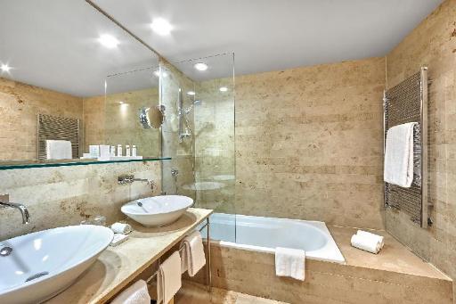 ➦  Hoteles Silken    customer rating
