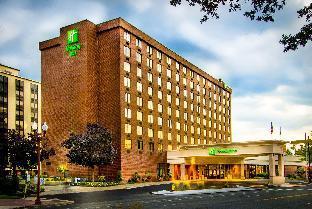 Get Coupons Holiday Inn Arlington at Ballston