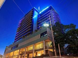Cebu Parklane International Hotel קבו