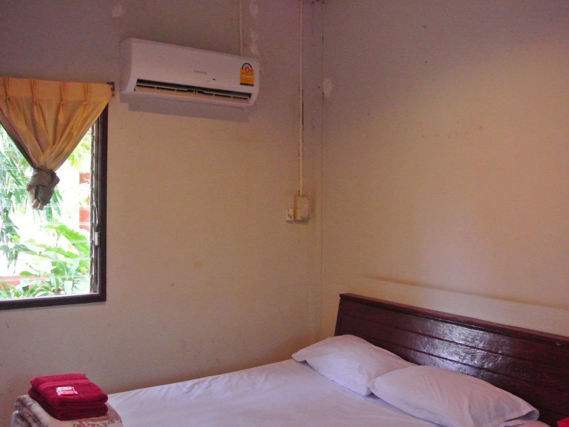 Huenpetch Resort,เฮือนเพชร รีสอร์ท