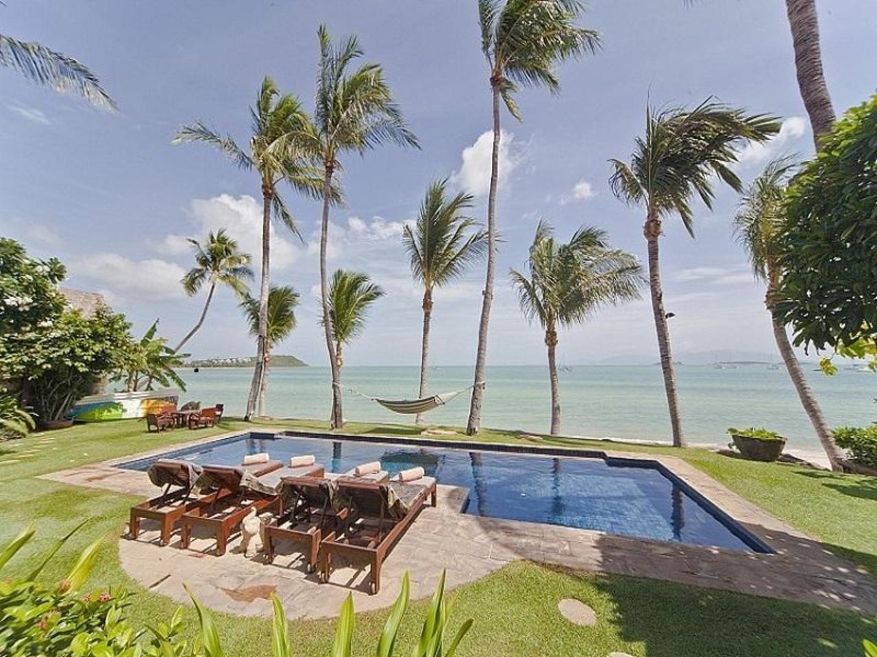 บางรัก บีชฟรอนต์ วิลลา (Bangrak Beachfront Villa)