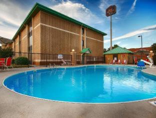 Interior Best Western PLUS Cedar Bluff Inn