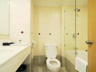 Citrus Hotel Kuala Lumpur by Compass Hospitality Kuala Lumpur - Bathroom
