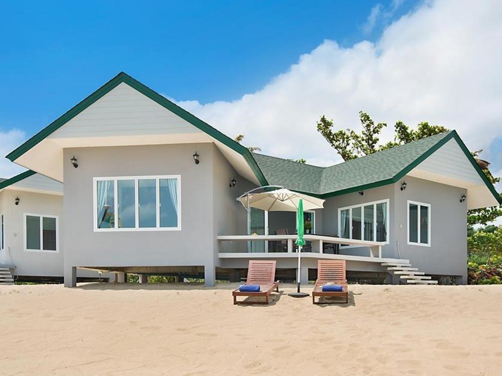 The Moonrakers Beachfront Villas