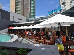 Q1 Resort and Spa Gold Coast - Longboards Laidback Eatery & Bar