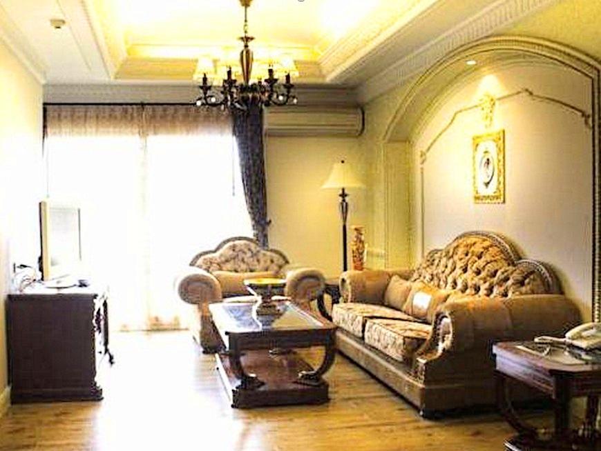 โรงแรม โฟร์ ซีซั่นส์ เพลส