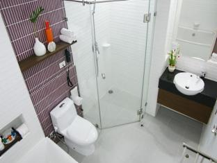 Pattaya Discovery Beach Hotel Pattaya - Superior and Deluxe Bathroom - D Beach Tower