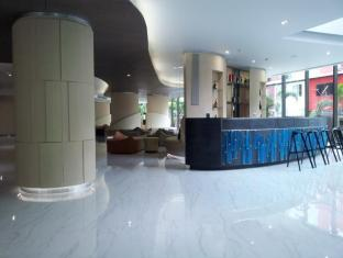 Pattaya Discovery Beach Hotel Pattaya - Lobby - Chic Tower