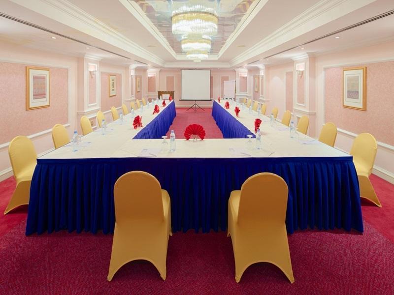 Riviera Hotel - Meeting Room