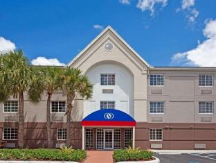 /es-es/candlewood-suites-miami-airport-west-hotel/hotel/miami-fl-us.html?asq=jGXBHFvRg5Z51Emf%2fbXG4w%3d%3d