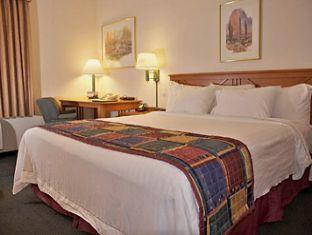 booking.com Wingate By Wyndham - Phoenix Hotel
