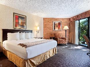 Best PayPal Hotel in ➦ Rockford (IL): Cliffbreakers Riverside Resort