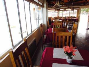 Ocean Bay Beach Resort Dalaguete - Restaurant