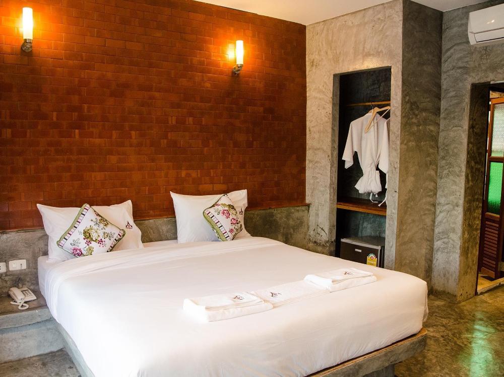 Ruean Thai Nai Bang by Pansak Resort