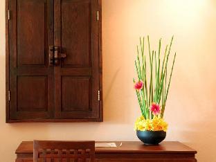 Andamania Beach Resort, Khaolak guestroom junior suite