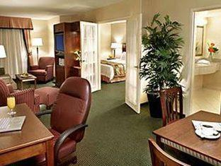 Fairfield Inn & Suites by Marriott Toronto Airport Toronto (ON) - Suite