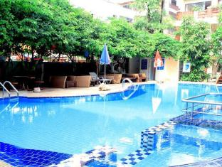 Mermaid's Beach Resort Pattaya - Swimming Pool