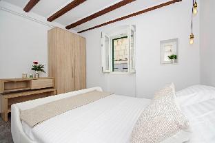 KIKA Luxury OldTown Apartment