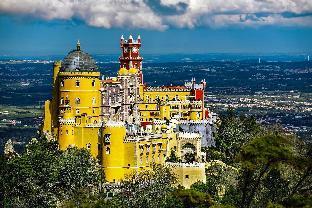 Apis Yellow Apartment, Rio de Mouro, Sintra, !New!