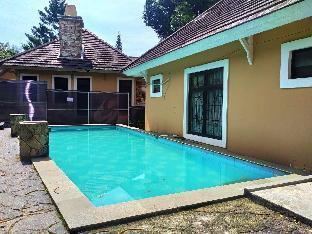 Villa 4 Kamar Private Pool Kota Bunga