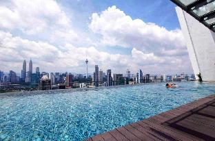 Regalia Suites/KLCC Infinity Pool/Comfy Homestay