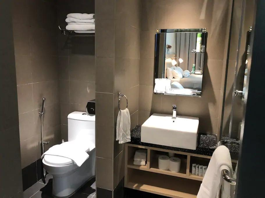 5 star 2BR Suite with full kitchen