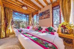 Yiyun garen Inn[Heyun family room], Lijiang