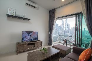 Sweet home sweet with Balcony facing KLCC tower