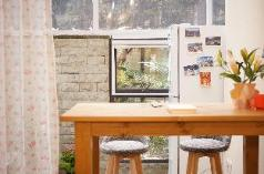 First floor homestay with two gardens close to the metro station, Chengdu