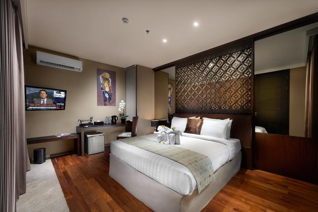 Compound 12 Bedroom Villa At Uluwatu Bali Indonesia