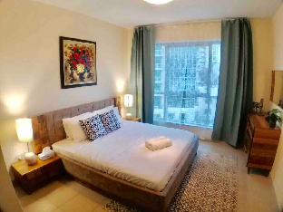 Downtown Dubai Superb 1 Bedroom with Sofa Bed - image 2