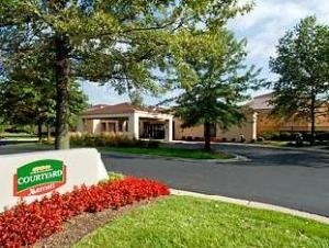 Courtyard By Marriott Cincinnati Blue Ash Hotel