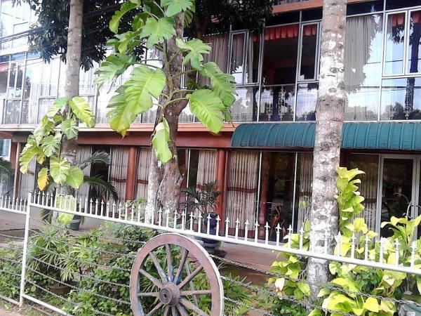 Hotel Dharshana Anuradhapura