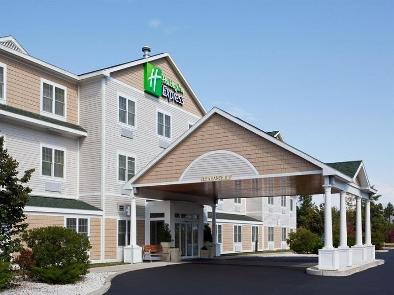 Holiday Inn Express Hotel And Suites Freeport