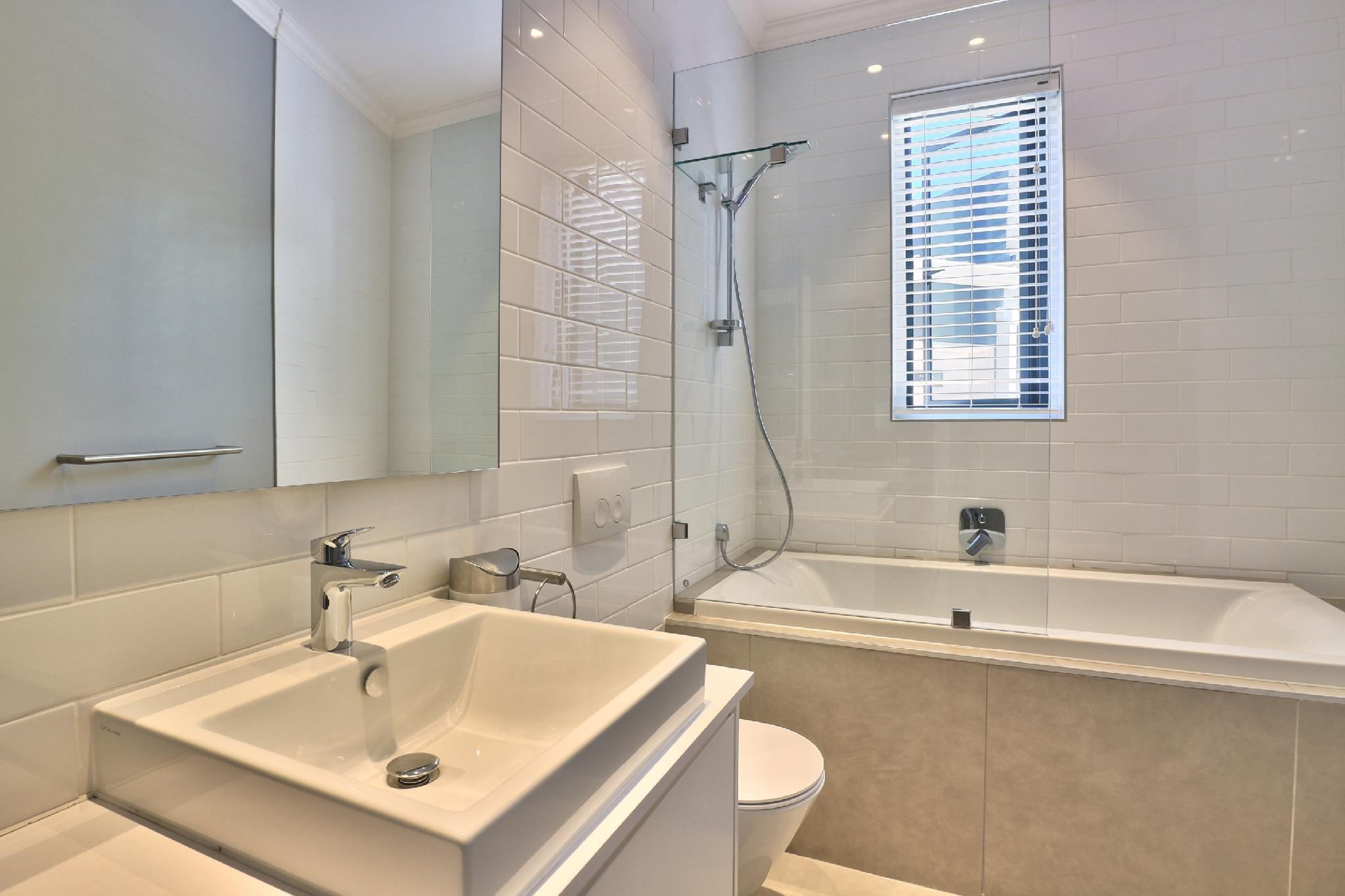 Stylish And Modern 2 Bed In Popular Green Point