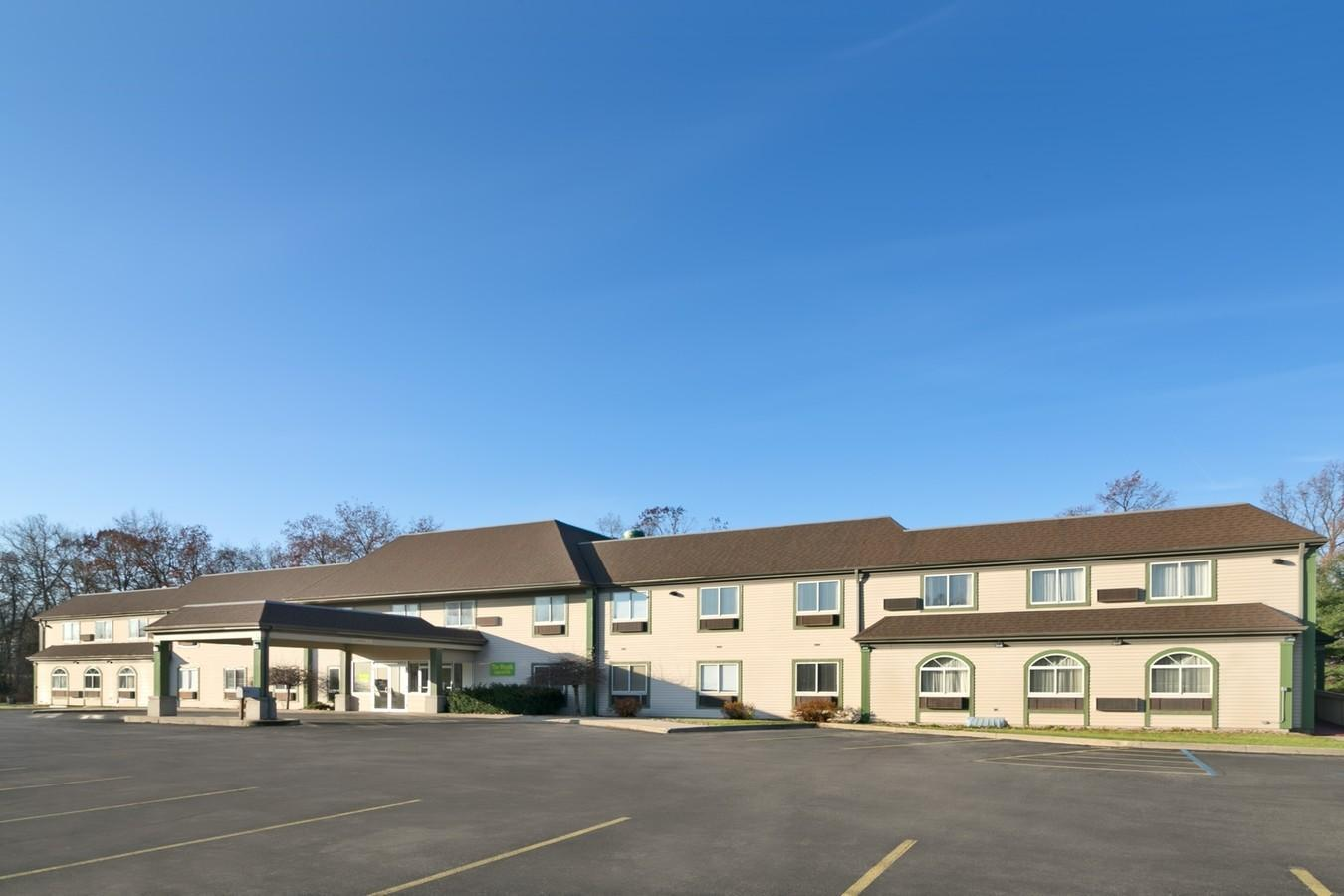 White Lake Inn And Suites