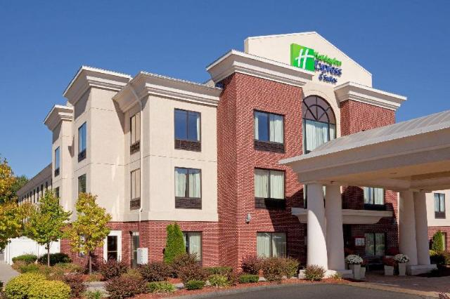 This photo about Holiday Inn Express Hotel & Suites Manchester - Airport shared on HyHotel.com