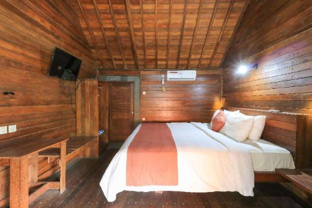Waterside Inn Nusa Penida