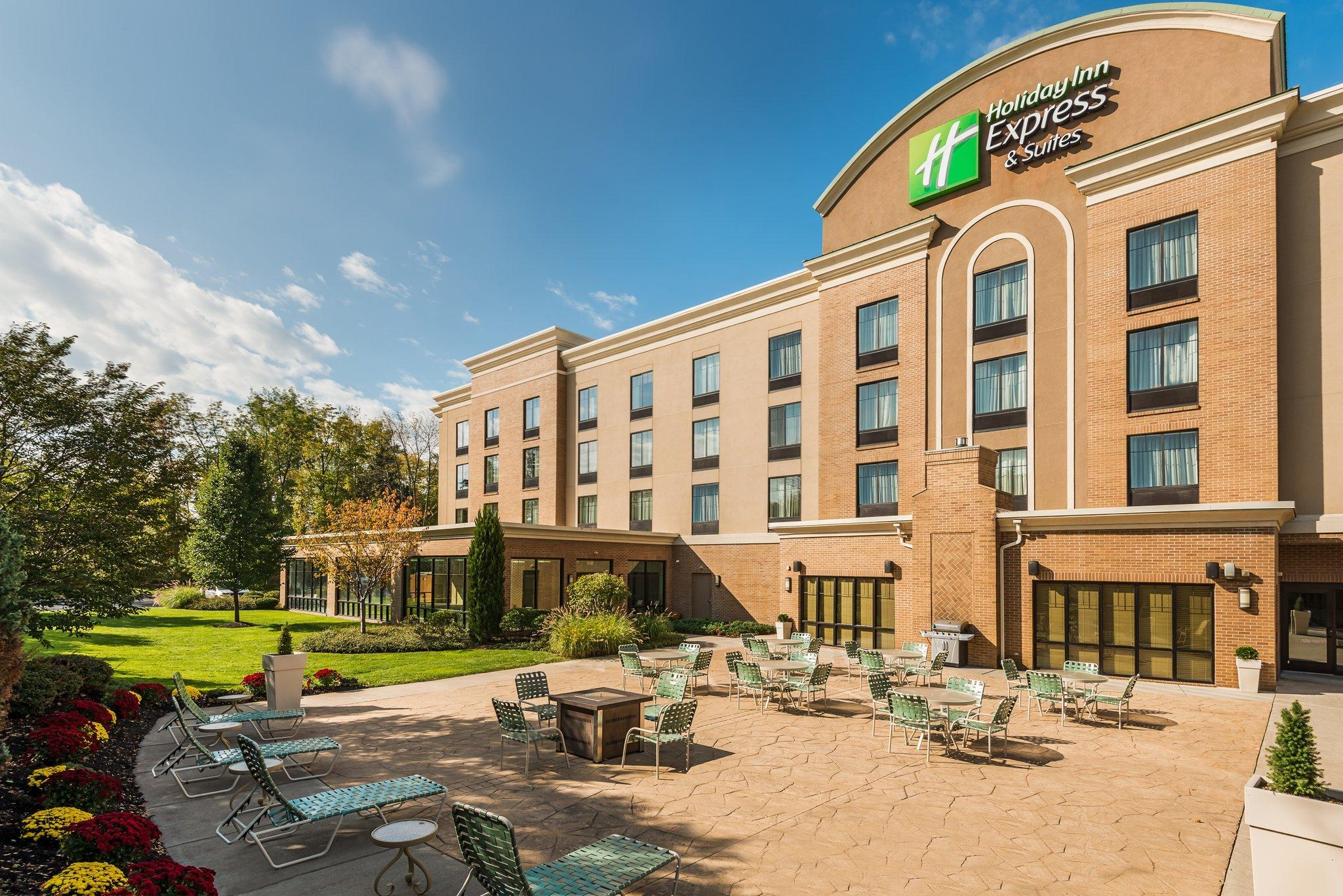 Holiday Inn Express Hotel And Suites Rochester Webster