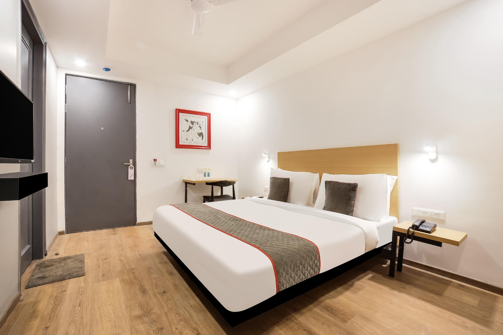 OYO Townhouse 141 Sector 14 Old Gurgaon