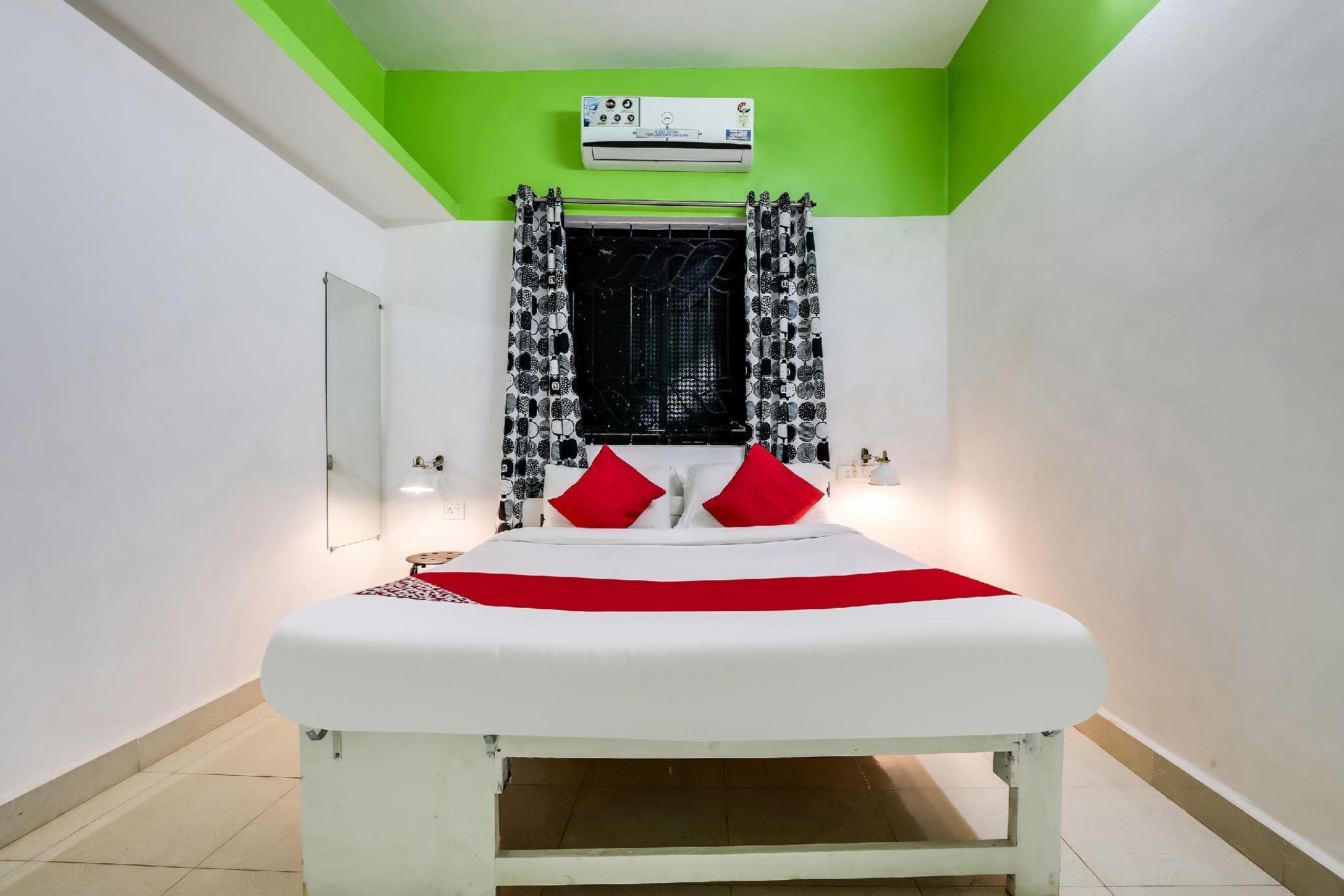OYO 7390 Siddham Residency